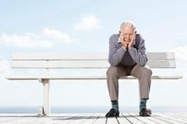 sad-olderman-alone-on-bench.jpg